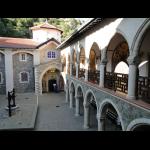 https://comite-des-villes-jumelees-saint-cyr-sur-loire.fr/sites/default/files/imagecache/big/jjr/09-09-23_Monastere_de_Kikkos_0.png